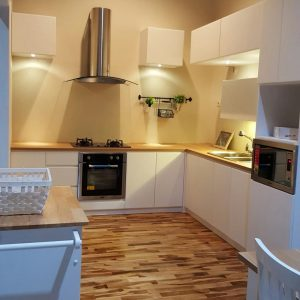 kitchen set minimalis cibubur - Kitchen Set Kota Wisata